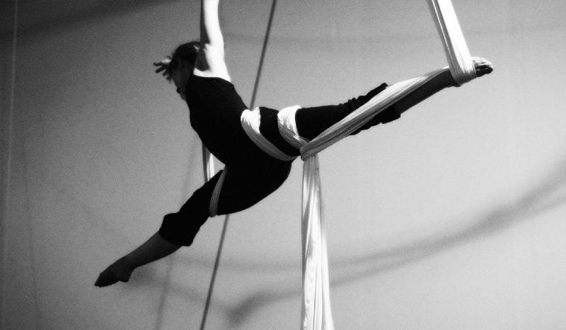 aerial-splits